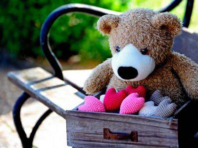 Teddy mit Herzen
